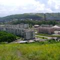 Вид на завод и гору Фабричная