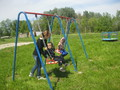 Действует детская площадка