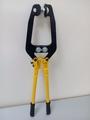 Устройство (щмпцы, клещи) для растяжки ботинок хоккейных и фигурных коньков