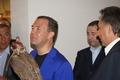 Дмитрий Медведев с соколом балобаном из нашего питомника.