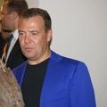 Дмитрий Медведев с соколом из нашего питомника.