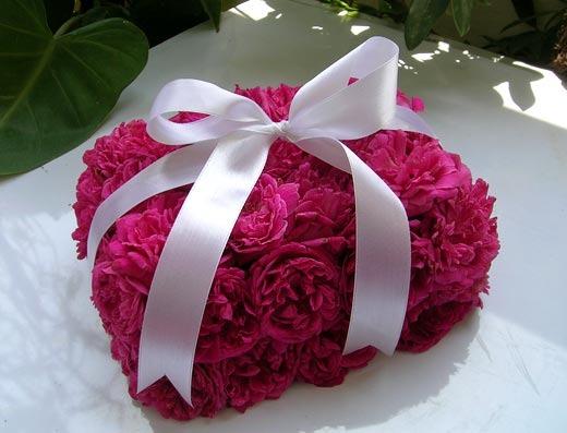 Как сделать цветок в подарок