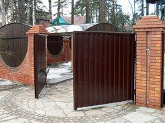 Ворота распашные с профлистом, двухсторонняя зашивка