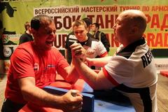 Аннотация работы На фотографии я и мой тренер по армспорту Егоров Дмитрий Николаевич.