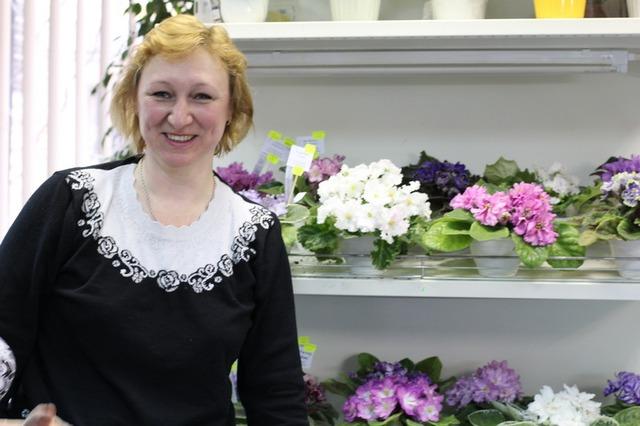 Светлана Репкина и ее фиалки.