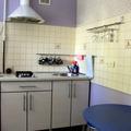 Онокомнатная квартира расположена по улице Красноармейская, в центре Гомеля, в 2х минутах ходьбы от железнодорожного вокзала.
