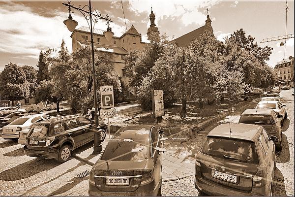 Города не выбирают,в них живут и ...  Леонид Западенко