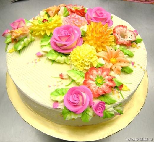 Цветочки из крема на торт