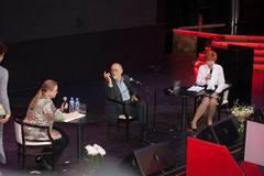 8 сентября в Известия Холл прошла встреча с известным американским психотерапевтом и писателем Ирвином Яломом!